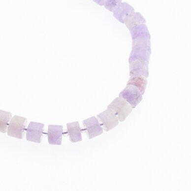 Alyvinis ametistas, natūralus, C kokybė, rankiniu būdu apipjaustyta heishi rondelės forma, šviesiai violetinė spalva, 37-39 cm/gija, apie 8x6 mm