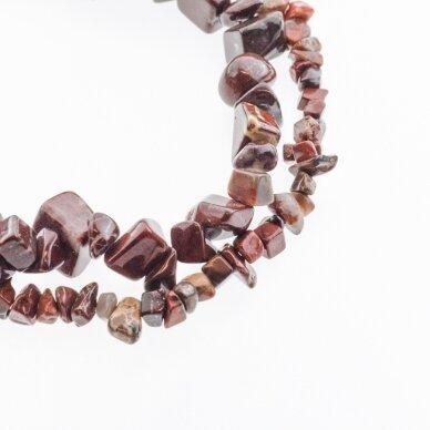 Brekčijos jaspis, natūralus, AB kokybė, skaldos forma, tamsi raudona spalva, 80-83 cm/gija, apie 5-8, 8-12 mm