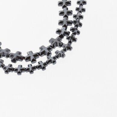 Hematitas, regeneruotas, briaunotas kryželio forma, juoda spalva, 39-40 cm/gija, 6x6, 8x8 mm