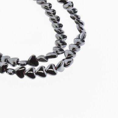 Hematitas, regeneruotas, išgaubta širdelės forma, juoda spalva, 39-40 cm/gija, 6 mm