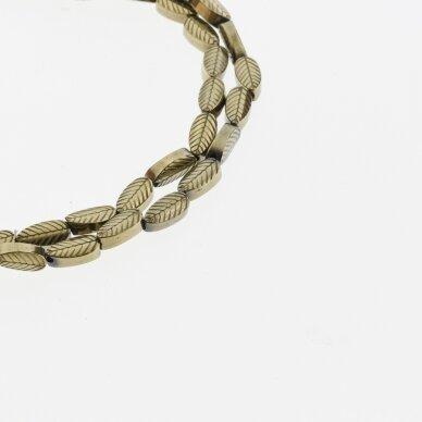 Hematitas, regeneruotas, išraižyto lapelio forma, Chaki aukso spalva, 39-40 cm/gija, 4x8 mm