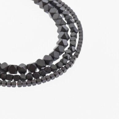 Hematitas, regeneruotas, matinis, apipjaustyto kubo forma, juoda spalva, 39-40 cm/gija, 1.5x1.5, 2x2, 3x3, 4x4, 6x6, 8x8 mm