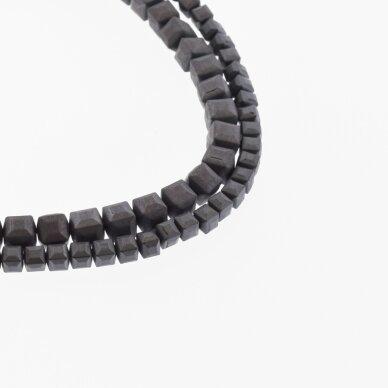 Hematitas, regeneruotas, matinis, briaunuotas, kubo forma, juoda spalva, 39-40 cm/gija, 2, 3, 4, 6 mm