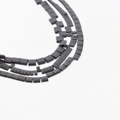 Hematitas, regeneruotas, matinis, išgaubto stačiakampio forma, dvi skylutės, juoda spalva, 39-40 cm/gija, 5x2x2, 6x1x3, 6x2x3, 12x20x6 mm