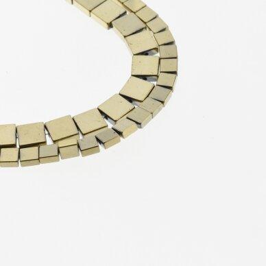 Hematitas, regeneruotas, plokščio kvadrato forma, Chaki aukso spalva, 39-40 cm/gija, 4, 6 mm