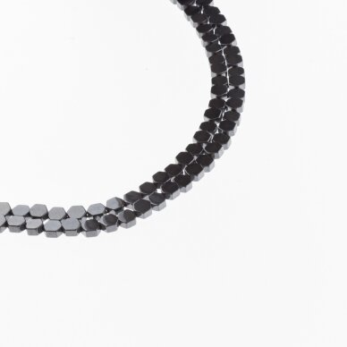 Hematitas, regeneruotas, plokščio šešiakampio forma, juoda spalva, 39-40 cm/gija, 3x5, 4x4, 4x6, 4x8 mm