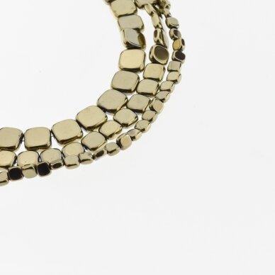Hematitas, regeneruotas, plokščio suapvalinto kvadrato forma, Chaki aukso spalva, 39-40 cm/gija, 3, 4, 6, 8 mm