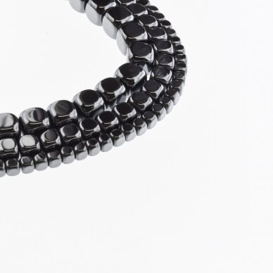 Hematitas, regeneruotas, suapvalinto kubo forma, juoda spalva, 39-40 cm/gija, 2, 3, 4, 6, 8 mm