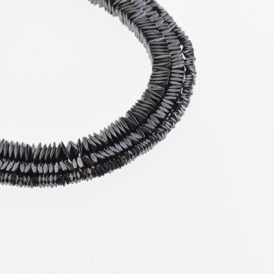 Hematitas, regeneruotas, sulenkto kvadrato rondelės forma, juoda spalva, 39-40 cm/gija, 2x1, 3x1, 4x1 mm