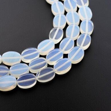 Opalitas, sintetinis, AB kokybė, plokščio ovalo forma, pusiau skaidri balta spalva, 37-39 cm/gija, 10x15 mm