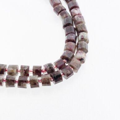 Slyvų žiedų turmalinas, natūralus, B kokybė, briaunuotas, rankiniu būdu apipjaustyta heishi rondelės forma, spalvų miksas, 37-39 cm/gija, apie 9x5 mm