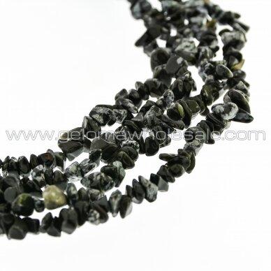 Snaiginis obsidianas, natūralus, AB kokybė, skaldos forma, juodai balta spalva, 80-83 cm/gija, apie 5-8 mm