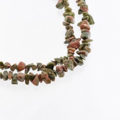 Unakitas, natūralus, B kokybė, skaldos forma, žalia-oranžinė spalva, 80-83 cm/gija, apie 5-8 mm